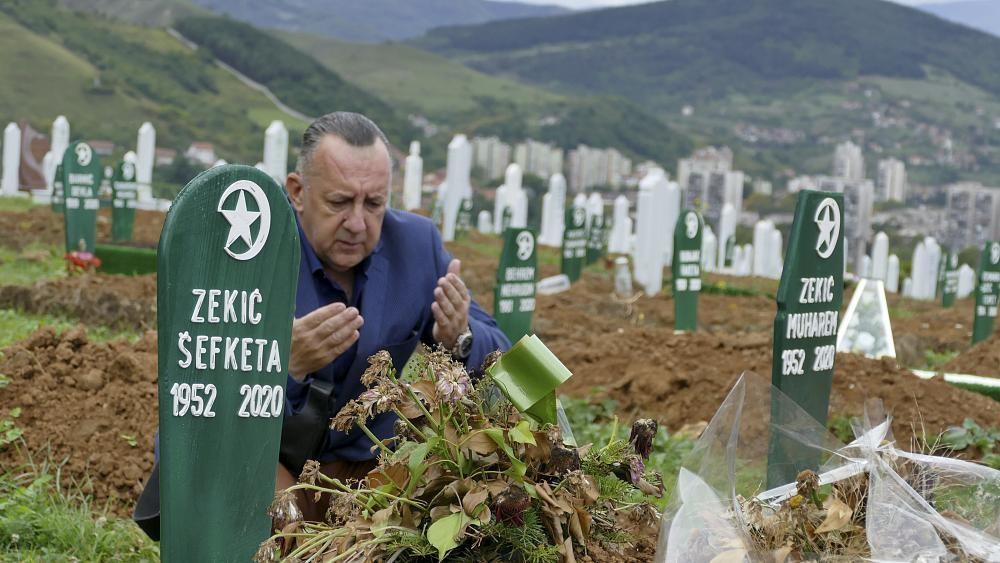 COVID-19 deniers grow more vocal in Bosnia even as nation counts its dead