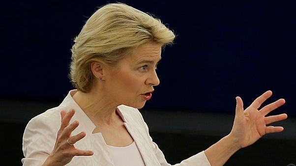 الألمانية فون دير لين تٌنتخب كأول امرأة ترأس المفوضية الأوروبية