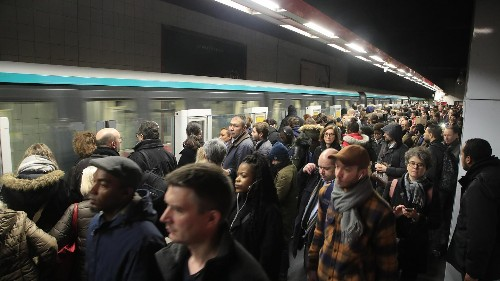 Paris metro workers to pause pension strike to 'recharge batteries' and re-orient movement