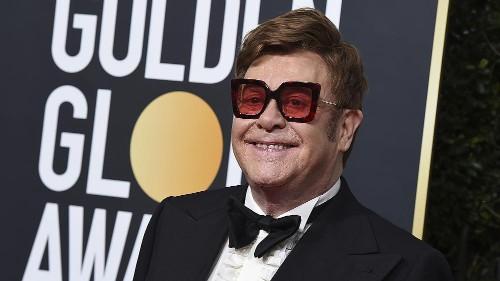 Ému aux larmes, Elton John interrompt son concert en raison d'une pneumonie