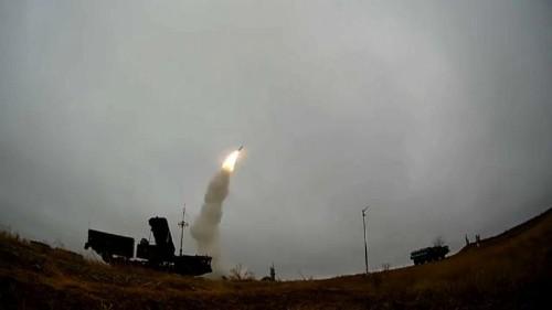 Rússia aprova lei para suspender tratado nuclear com EUA