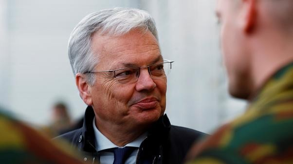 اتهام وزير الخارجية البلجيكي ديدييه ريندرز بالفساد وغسيل الأموال