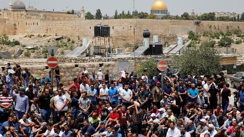 Abbas congela le relazioni con Israele