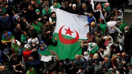 الجزائريون في الشوارع مجددا للمطالبة بالتغيير