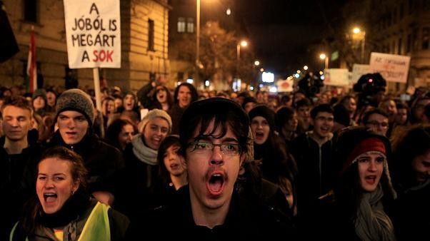 Hungary: 'Educate us for the 21st century!' students demand