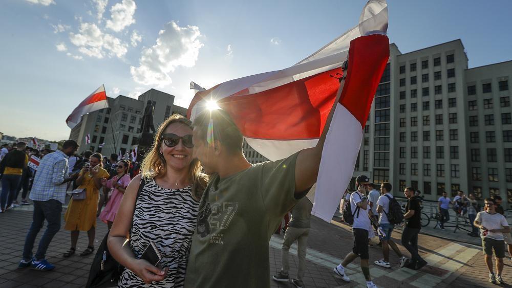 Журналисты госканалов в Беларуси требуют показать правду