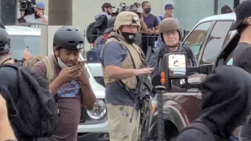 Stati Uniti: ronde armate, i cittadini si difendono da sé