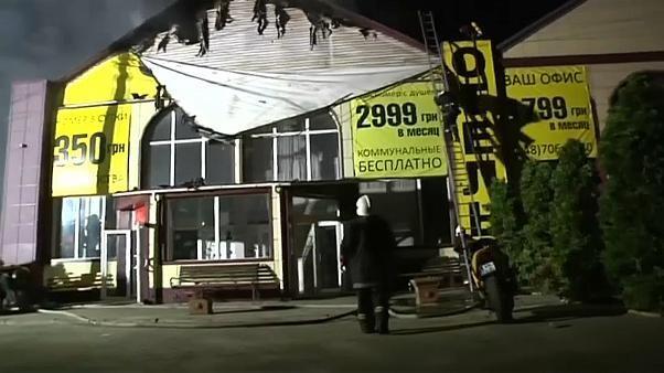 Al menos 8 muertos tras el incendio de un hotel en Ucrania
