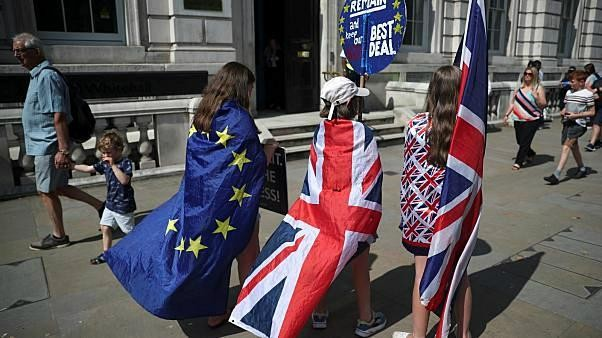 """استعداداً لـ""""بريكست"""".. الحكومةُ البريطانية تطلق حملةً إعلامية لمواطنيها في الاتحاد الأوروبي"""
