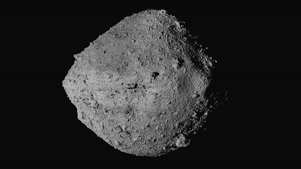 Spacecraft in risky descent to asteroid 200 million miles from Earth