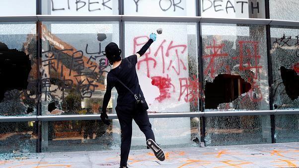Blocages à Hong Kong, un manifestant blessé par balle