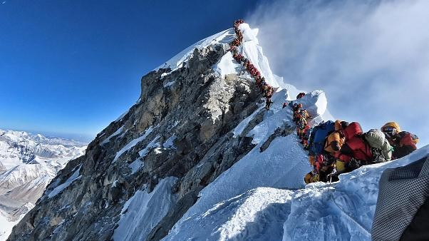 This remarkable picture shows the deadly overcrowding on Mount Everest | #TheCube