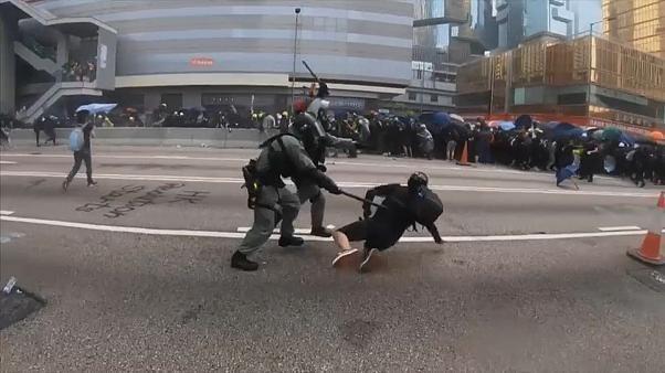 Ausschreitungen bei Demonstrationen in Hongkong