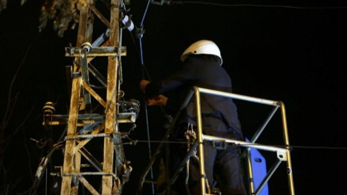 Fed-up mayor in Romania cuts internet cables amid telecoms dispute