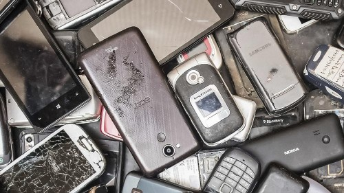 Our disposable culture must end. We need the 'right to repair' not recycle our smartphones ǀ View