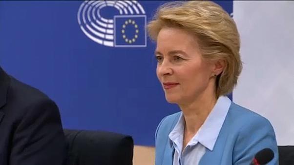 المرشحة لخلافة يونكر تسعى لإقناع المشرّعين الأوروبيين بالتصويت لصالحها