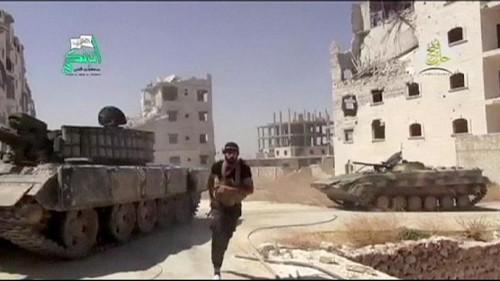 Pas de solution politique en Syrie, Moscou renforce son aide