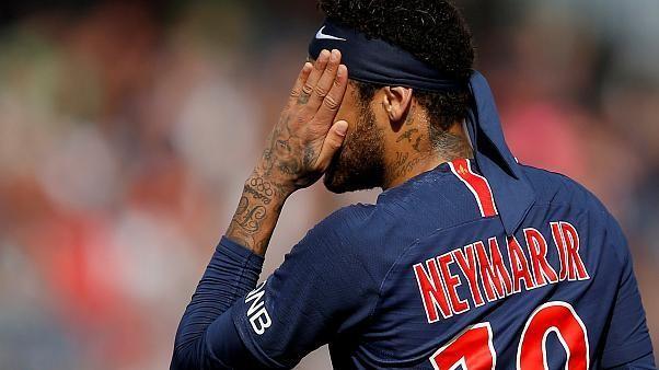 بعد غيابه عن التدريبات.. عقوبات إقتصادية يفرضها نادي باريس سان جيرمان بحق نيمار