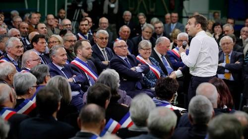 Macron : 6H30 face aux maires français, et une petite phrase qui tue