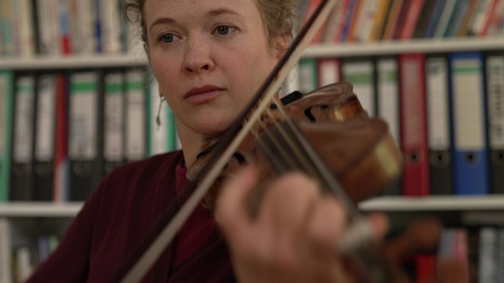 Nadja Zwiener: több támogatás kellene a művészeknek