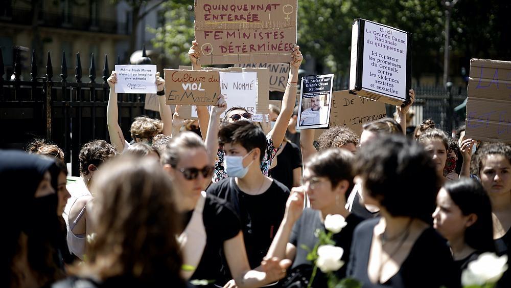 """Remaniement : la """"formidable claque"""" faite aux défenseurs de victimes de violences sexuelles"""