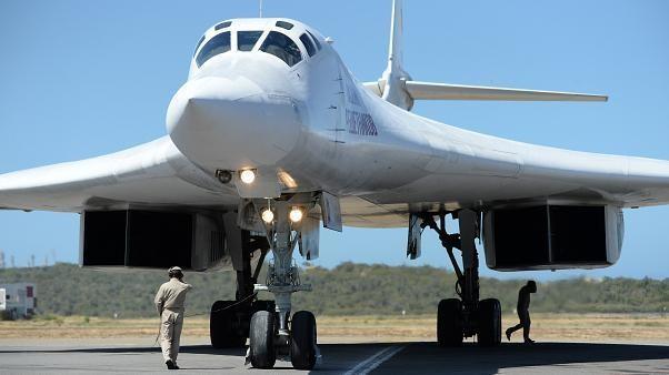 روسیه دو بمبافکن با قابلیت حمل سلاح هستهای به آفریقای جنوبی فرستاد