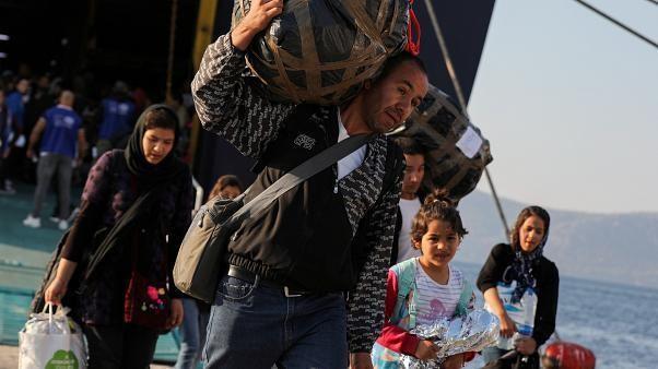 Grèce : le transfert des migrants de Moria se poursuit