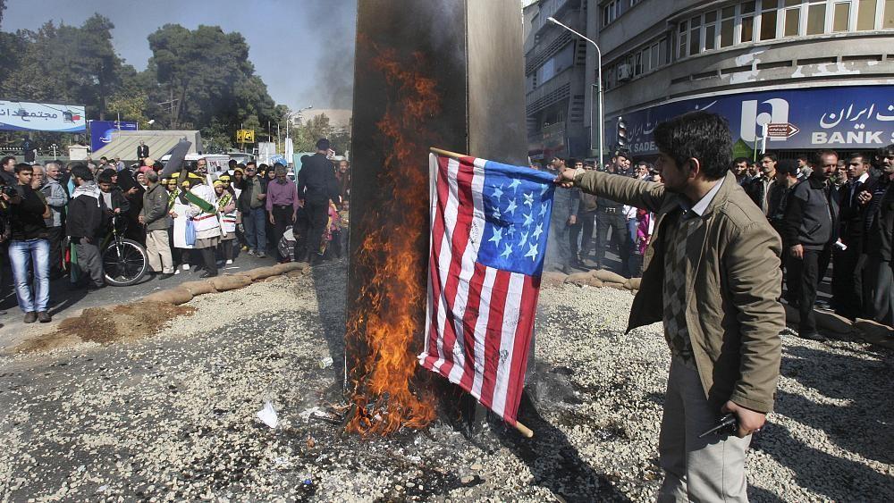 """إيران تعتبر أن التفاوض مع واشنطن """"لا فائدة منه"""" وتدين وفاة جورج فلويد"""