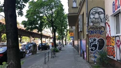 #Mietendeckel: Berlin friert als 1. Stadt die Mieten ein