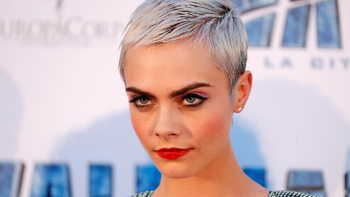 Cara Delevingne: Eco-warrior on Instagram promotes fast fashion