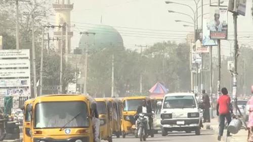 Présidentielle reportée d'une semaine au Nigeria