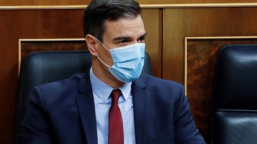 رئيس الوزراء الإسباني يأمل رفع كل القيود المفروضة لاحتواء كورونا في أول تموز/يوليو