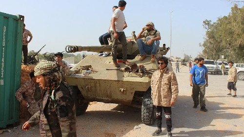 Nova vaga de confrontos na Líbia