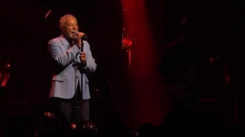 Tom Jones chiude il Montreux Jazz Fest
