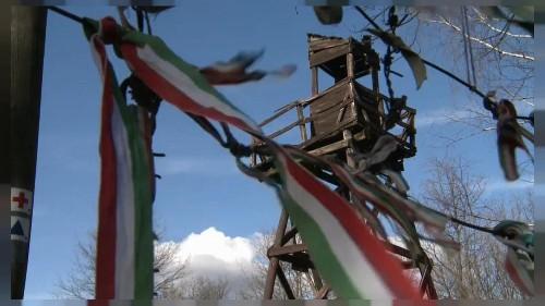#euroviews : des heurts à Lesbos, le pardon de Placido Domingo et des victimes du communisme