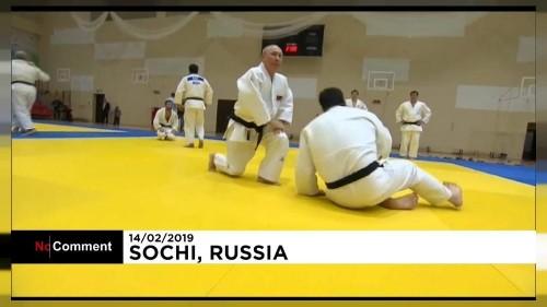 Putyin tatamira lépett