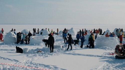 Nowosibirsk: Über 100 Teilnehmer beim Iglu-Wettbewerb