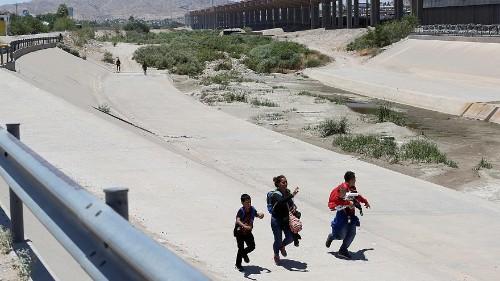 Détresse, un Salvadorien et sa fillette se noient à la frontière du Mexique