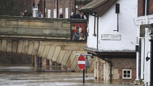 Au Royaume-Uni, les inondations pourraient tarder à se dissiper