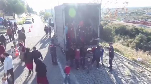 Les autorités turques interceptent un camion transportant des migrants
