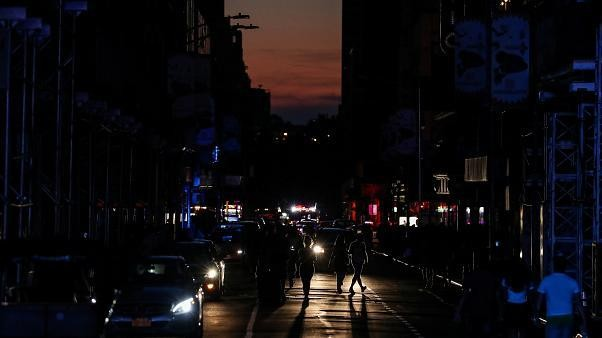 Huge power cut in New York leaves Broadway, Times Square in dark, cripples subway