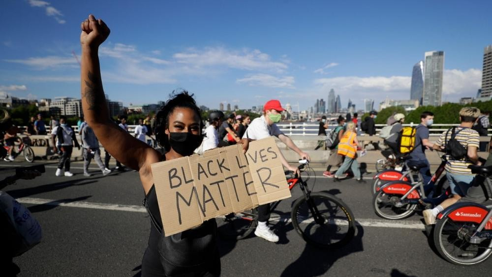 Black Lives Matter dans le monde - cover