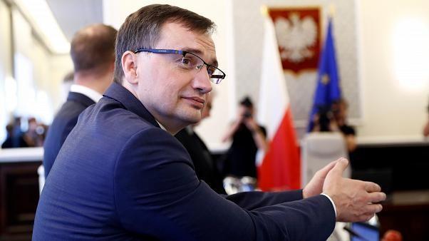 Un nouveau coup de griffe contre la réforme de la justice en Pologne