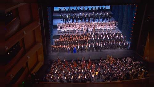 Yeni Mariinsky Operası'ndan görkemli açılış