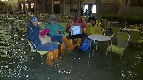 Springflut und Unwetter in Norditalien sorgen für Hochwasser in Venedig