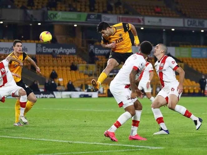 Los Wolves y Jiménez rescatan el empate en casa