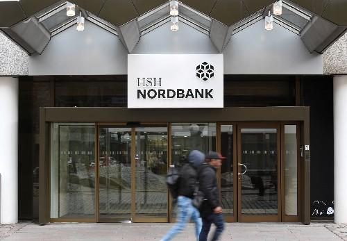 Ex-Landesbank HCOB besiegelt Abbau von fast der Hälfte der Jobs