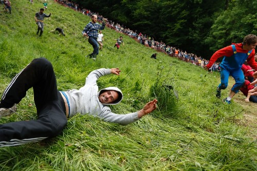 Wacky Cheese Rolling Contest in the UK: Pictures