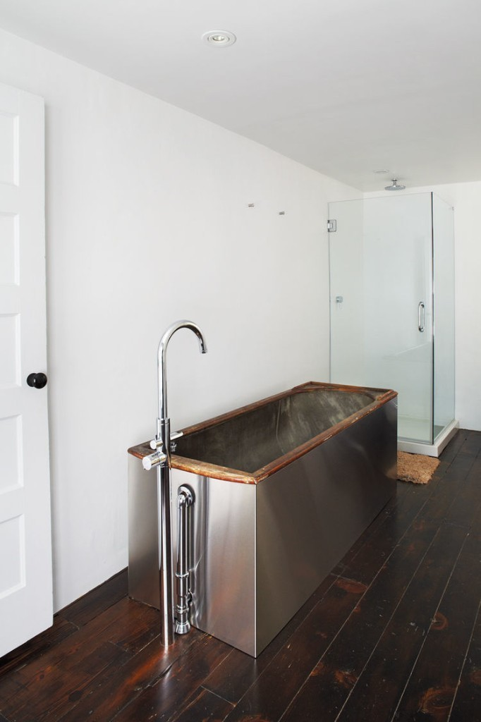 Articles about 6 bathrooms make use steel on Dwell.com