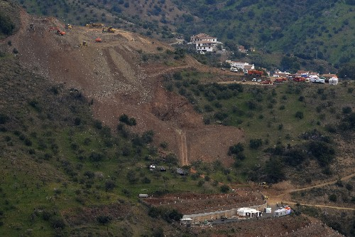 Rescuers hope to reach Spanish boy in deep hole on Sunday